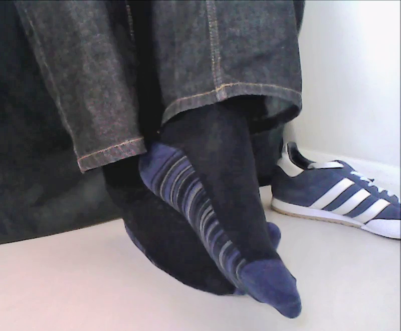 YouTube trailer change: black #socks with blue striped soles  -  http:// youtu.be/ty1T_7Gy5NI  &nbsp;   #sockgame #sockswag #socksoutfriday #socksoftheday<br>http://pic.twitter.com/2amvvCE1Lx