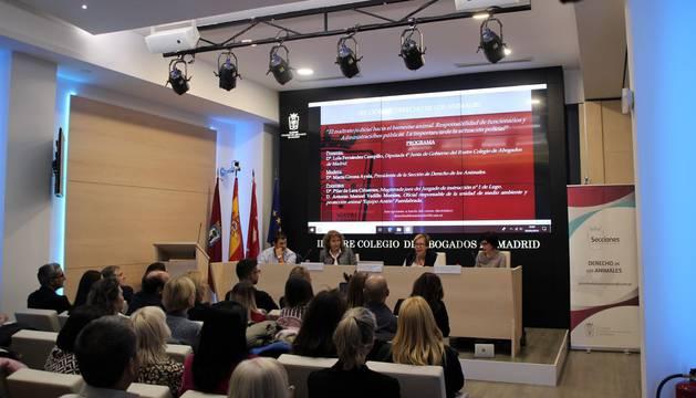 Una letrada del Colegio de Abogados de Madrid participó hace un año en una charla de #HogarSocial, por @SabelaRulinha http://ow.ly/Lpvo30nNEkr