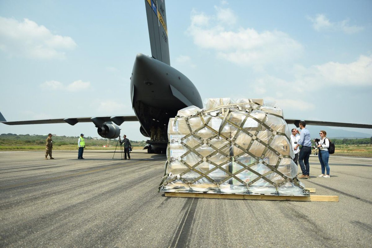 At @jguaido's request, the second tranche of U.S. humanitarian aid landed in Cucuta today. This aid must be allowed to enter #Venezuela and reach people in need. #EstamosUnidosVE<br>http://pic.twitter.com/E2NGNz4CfW