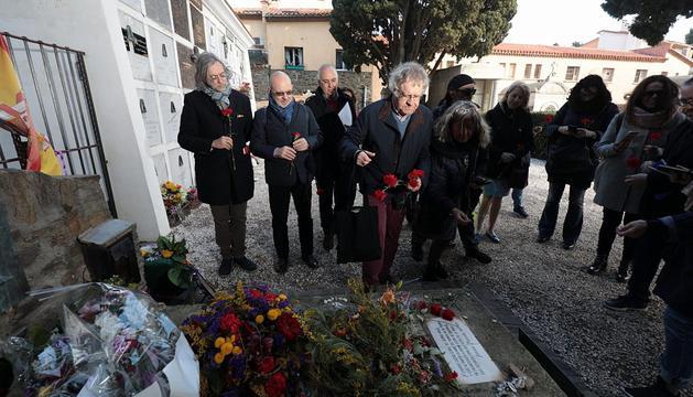 Memoria de Antonio #Machado y Manuel #Azaña, un tema de @lgm_com  en nuestro especial 'La memoria de #Machado' de #LosDiablosAzules http://ow.ly/T8A530nN5Dk