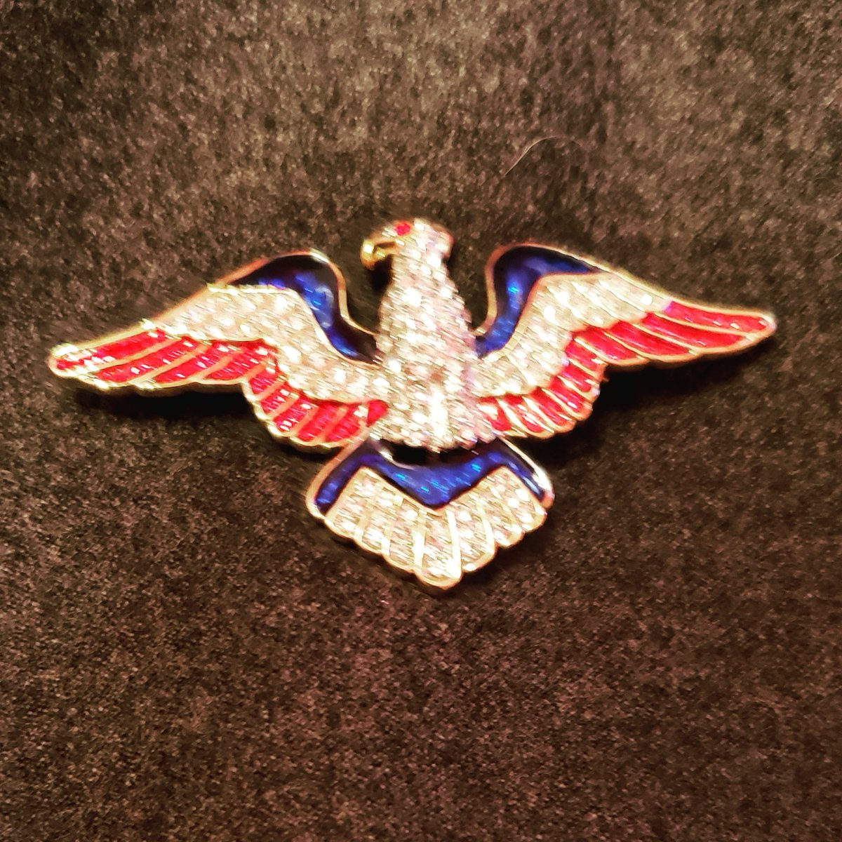 Manhattan DA preparing charges against Manafort that don&#39;t run afoul of NY dbl jeop as insurance against Trump pardon of fed cases or to use even if there&#39;s no pardon. Will discuss w @chrislhayes on @allinwithchris on #MSNBC at 7 CT. #JillsPin supports Mueller, democracy&amp; justice<br>http://pic.twitter.com/N4DwgmmZ5N