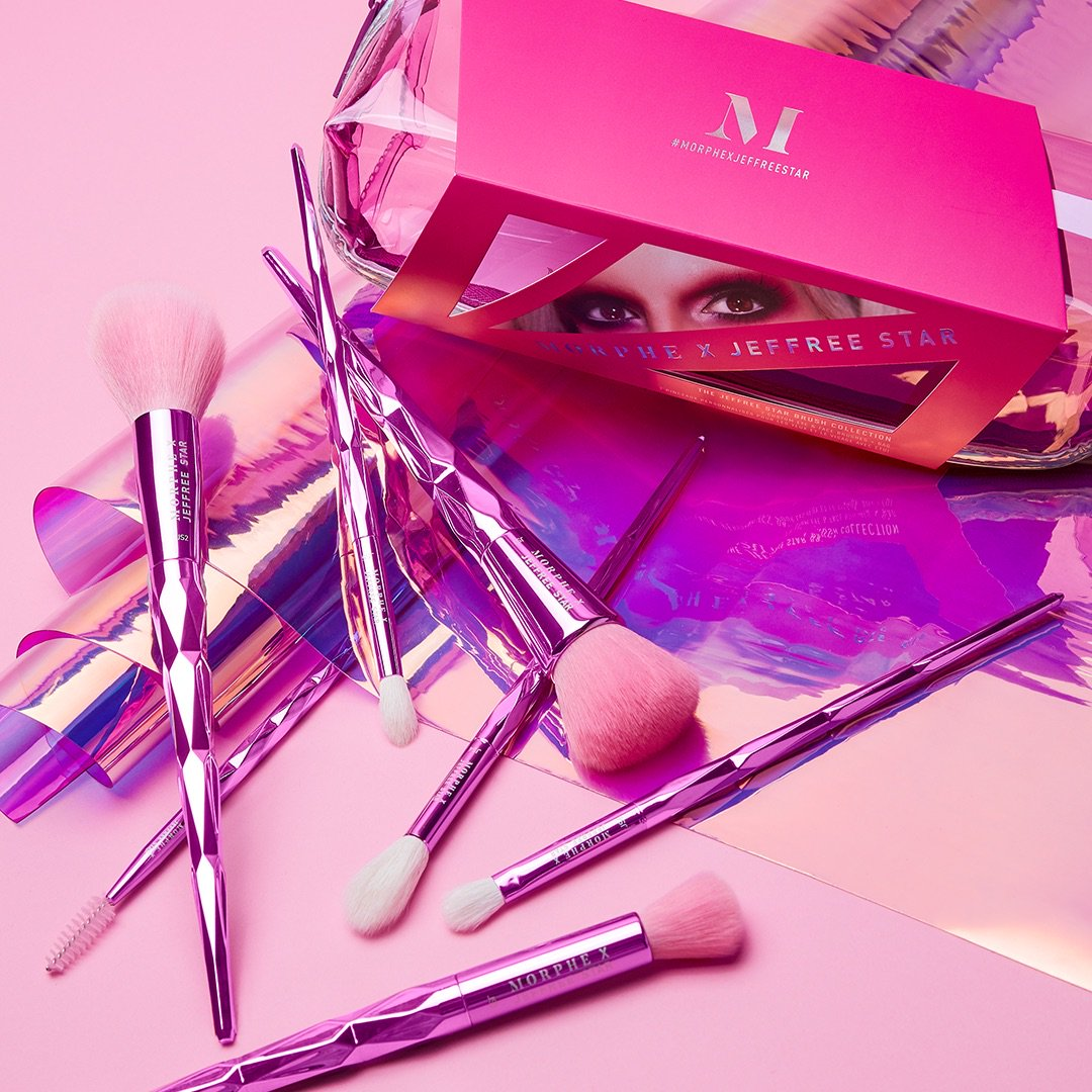 MONDAY WILL BE ICONIC!!! 💖 The #MorpheXJeffreeStar brush & sponge collections are comin' back on Monday!!!! 😇 Get ready to shop on 2.25 at 9AM PST / NOON EST only at https://t.co/6nJLdYLeXY and in @MorpheBrushes stores!! 💅🏻