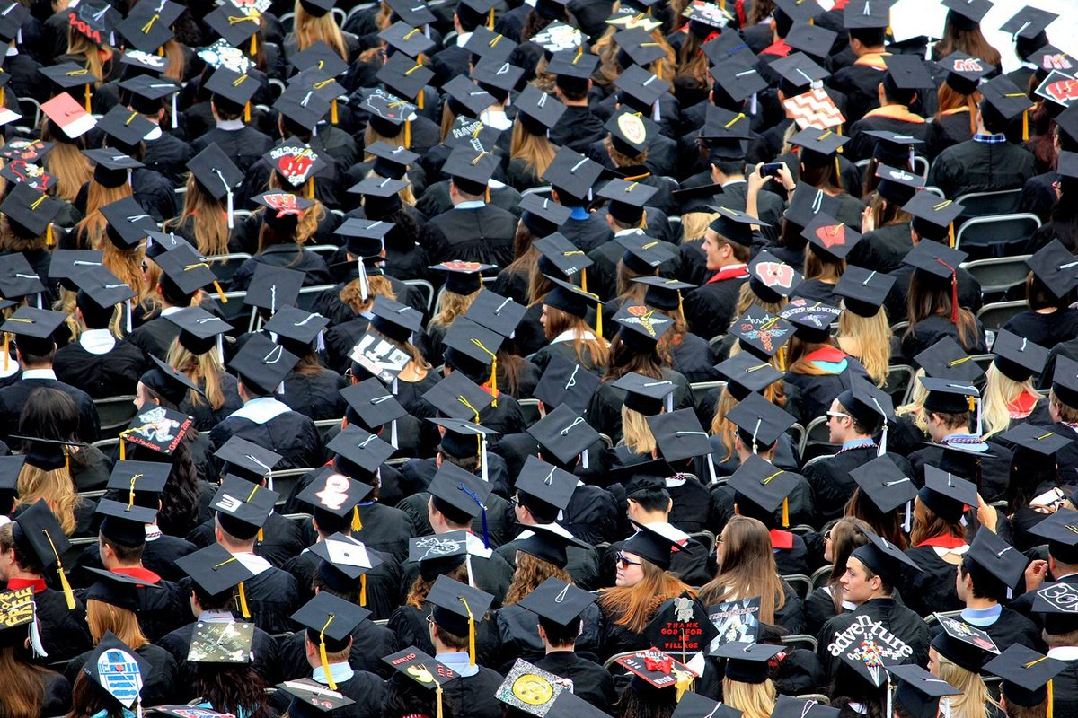 """""""For the first time, we are seeing polling data that show more and more high school seniors are questioning whether going to college is financially worth the price.""""  @Brian_Backstrom breaks down #studentdebt in New York on #PolicyOutsider. Listen: https://t.co/J31xx5UNAR"""