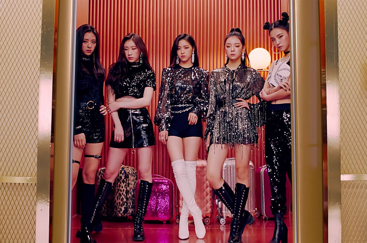 New girl group @ITZYofficial start with one of the best K-pop debuts on the Billboard charts ever  https://t.co/WcxRwFnPBR