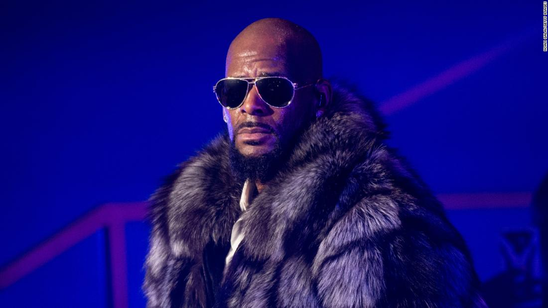 BREAKING: Singer R. Kelly has turned himself into Chicago police after being indicted on sexual abuse charges  https://t.co/eiQdl4SaVH