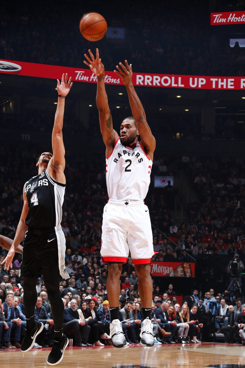 🏀 FINAL SCORE THREAD 🏀  Kawhi Leonard (25 PTS, 6 REB) and Pascal Siakam (22 PTS, 6 AST) guide the @Raptors past SAS at home!  #WeTheNorth 120 #GoSpursGo 117  Kyle Lowry: 17 PTS, 5 AST Danny Green: 17 PTS, 5 3PM DeMar DeRozan: 23 PTS, 8 AST