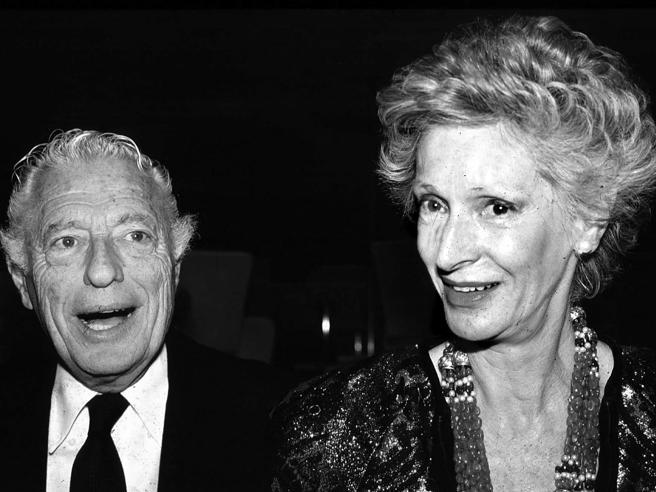 Morta Marella Agnelli, la moglie di Giovanni Agnelli https://t.co/EI3zd1FHZI