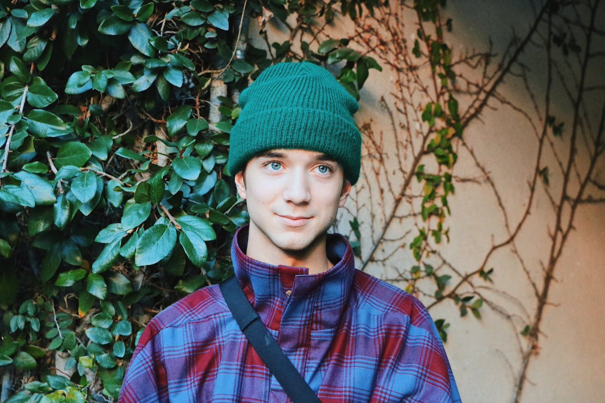 Appreciation tweet for @SeaveyDaniel 💚 also shout out to @keri_seavey cause these photos are 🔥