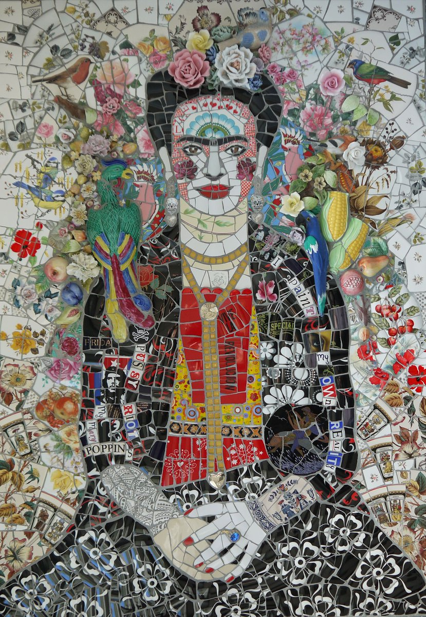 Contemporary UK mosaic artist Susan Elliott who is inspired by popular culture and incorporates recycled materials into her artworks #womensart
