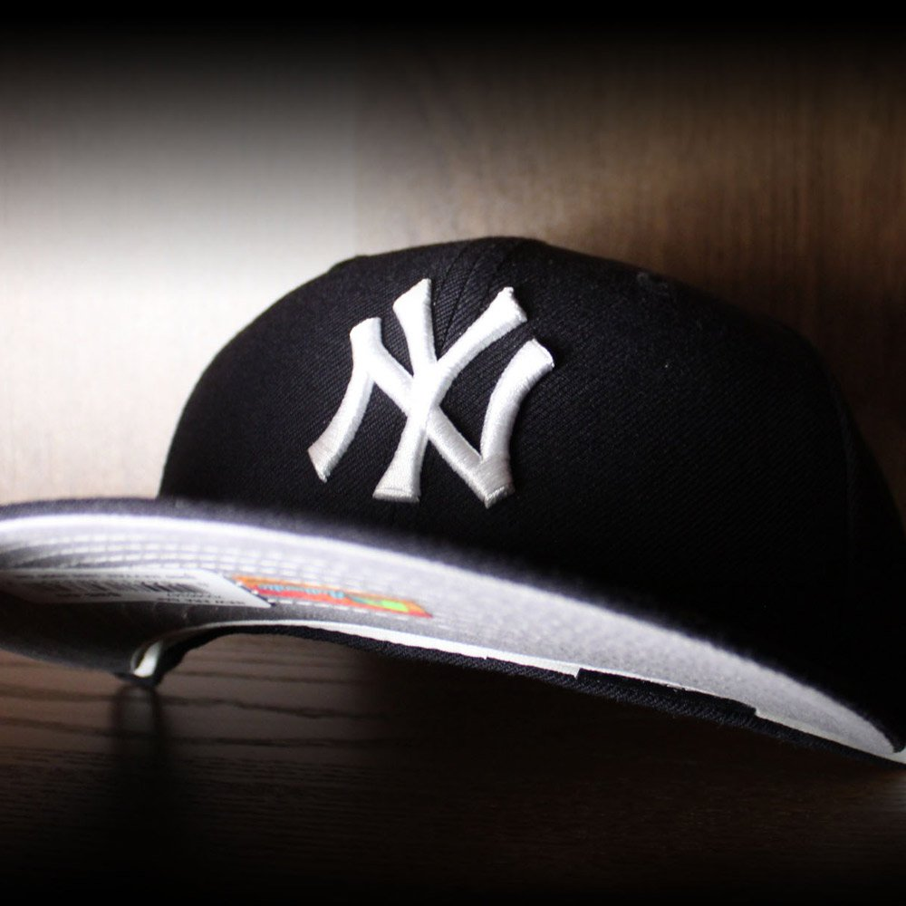 1961d700542 Gray Under Brim NY Yankees New Era 59Fifty Fitteds (White Sweatband) http