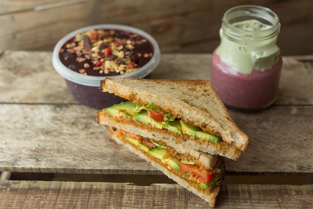 If you're looking for some simple but tasty breakfast inspo this weekend, check out the video! We've a delicious Acai bowl recipe, a sun-dried tomato pesto toastie and a chia seed pudding! 😋#veganbreakfast #vegan #plantbased #healthyrecipe  https://t.co/gSWdHU8aIP