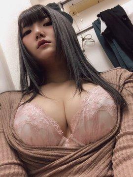 グラビアアイドル姫咲☆兎らのTwitter自撮りエロ画像1