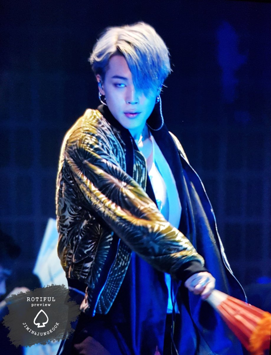 [#JiminRewind] |181201: Melon Music Awards|  Remember when this was one of the first few preview images of Jimin with that fan & he looked like devil himself? 😈  I remember how almost all of us Jimin Stans used it as our Profile Pic 😂  #JIMIN #지민 @BTS_twt