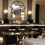 Elegance superb service and opulence describe this wonderful hotel #sheratonparklane#