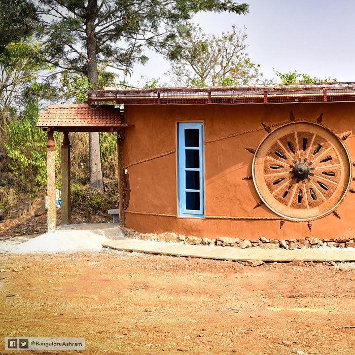 &#39;Prakruti Dham-Natural Mud Houses&#39;, a new showcase project just 7 minutes drive from @BangaloreAshram.   It is to recreate the ambience, style &amp; simplicity of the true Indian village houses. Come, join us to visit Prakruti Dham &amp; witness the blend of nature&#39;s beauty &amp; technique. <br>http://pic.twitter.com/9aKgePxOHT