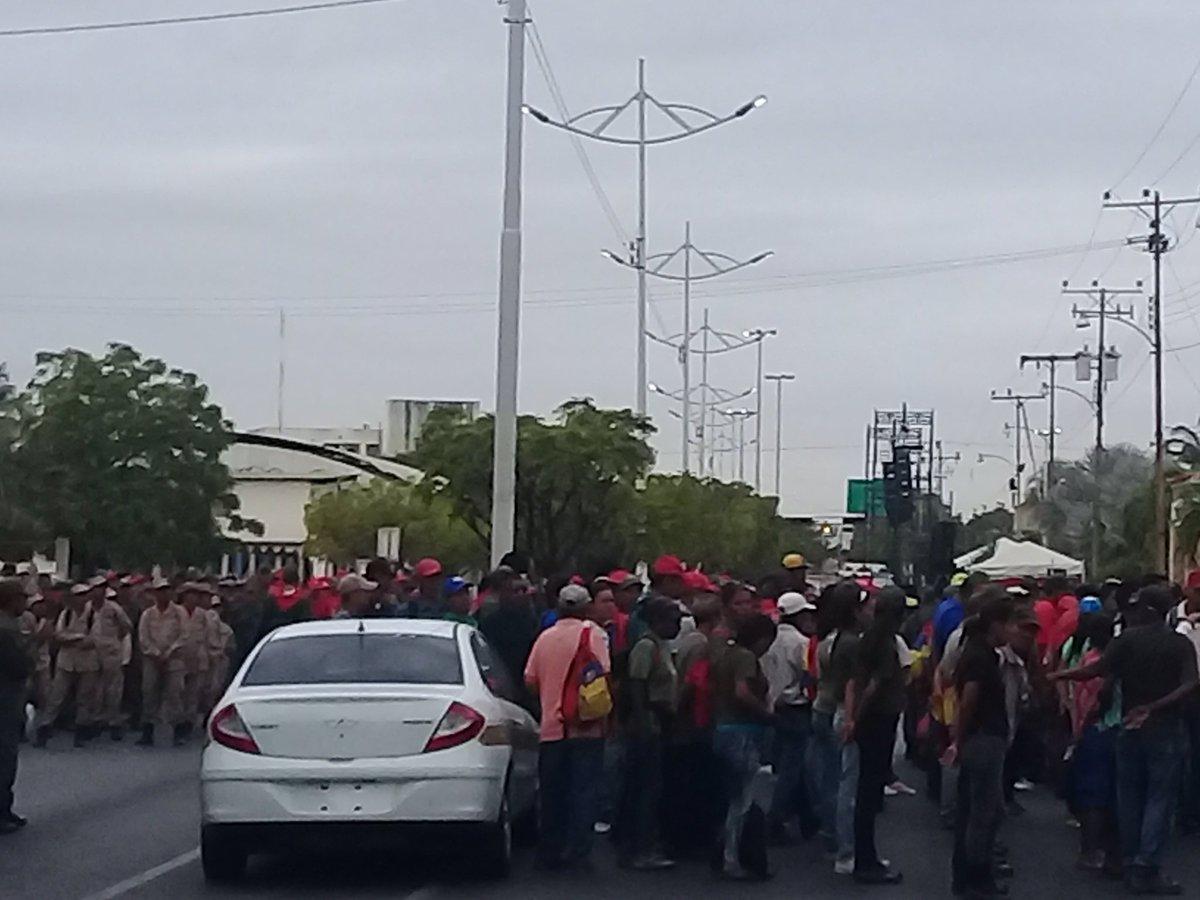 Maduro: Si algo me pasa, ¡retomen el poder y hagan una revolución más radical! - Página 8 D0FvwJWXQAAUMKZ