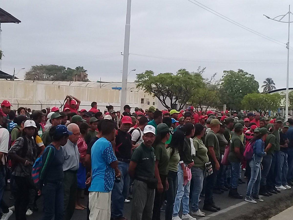 Maduro: Si algo me pasa, ¡retomen el poder y hagan una revolución más radical! - Página 8 D0FvyAJW0AEahxs