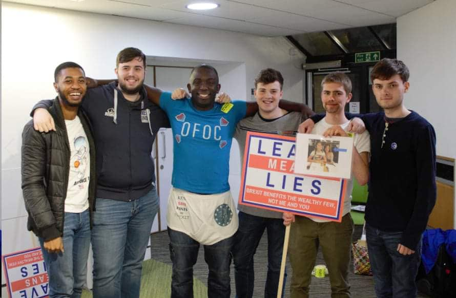 Young Europeans, @ct4europe and @Femi_Sorry exposing Jacob Rees-Mogg&#39;s rank hypocrisy yesterday with the @ByDonkeys banner. Well done everyone @EK_EuropeanMove @RosieDuffield1 @OFOCBrexit<br>http://pic.twitter.com/fX5KGrFqhl