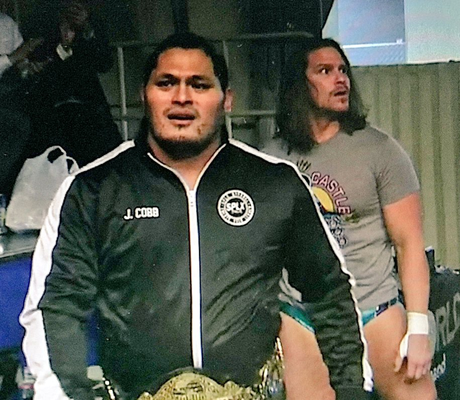 &quot;Just a couple of guys with great hips about to crush it!!!&quot; #njROH #njpwworld #PuroHoots<br>http://pic.twitter.com/Hv36eX928d