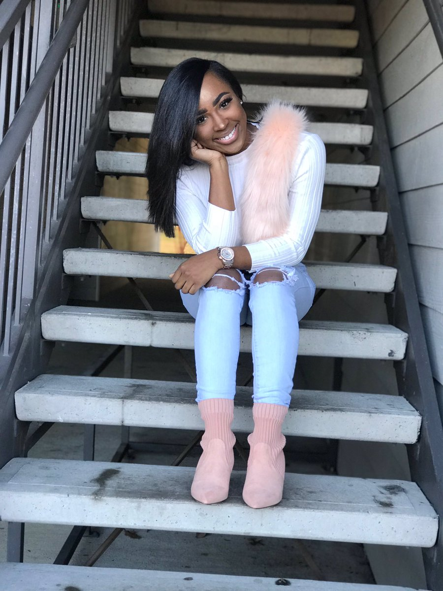 Meet your 2019 Treasurer &amp; Fundraising Chair Kendall Muse @kendillia  Major: Forensic Chemistry &amp; Criminal Justice  Minor: Biology  Fun fact: She likes to do her hair and makeup !<br>http://pic.twitter.com/bVzryA1yW6