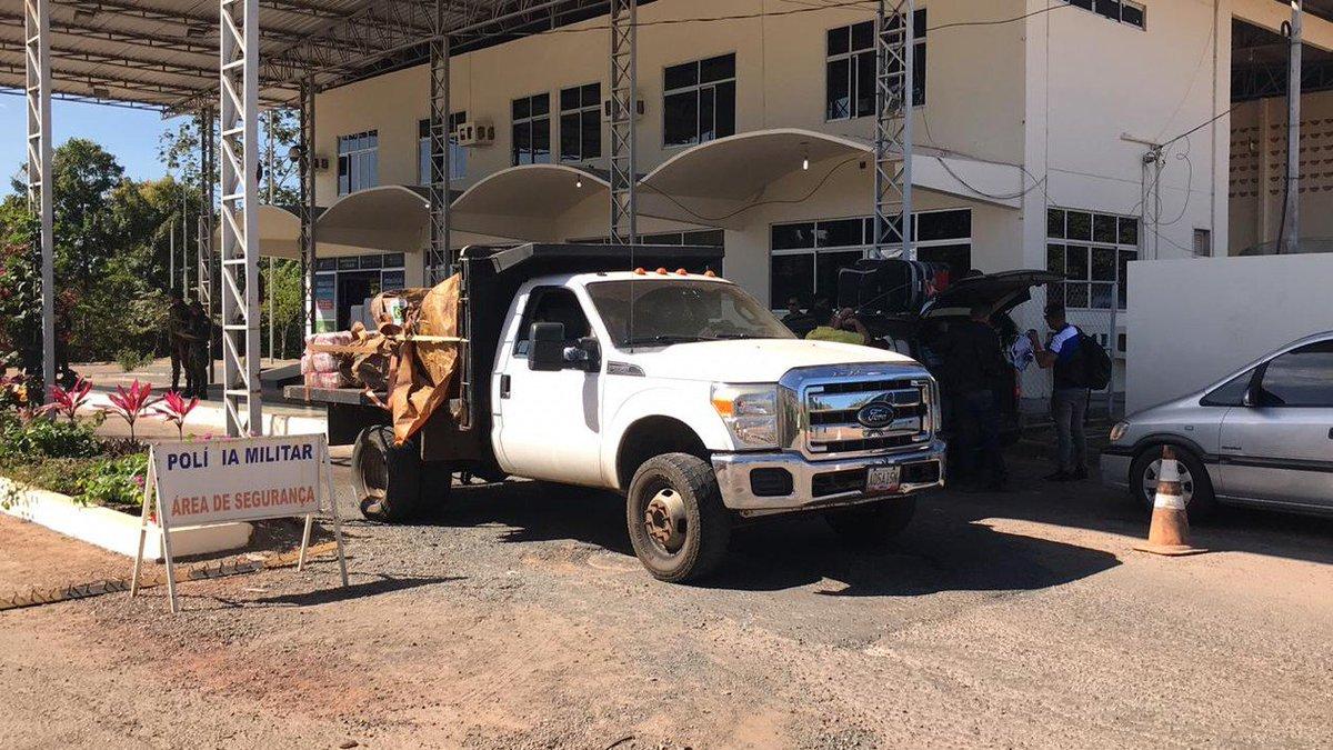 Caminhão com ajuda humanitária do Brasil chega a Pacaraima, na fronteira com a Venezuela https://t.co/V3u9COQxdk #G1