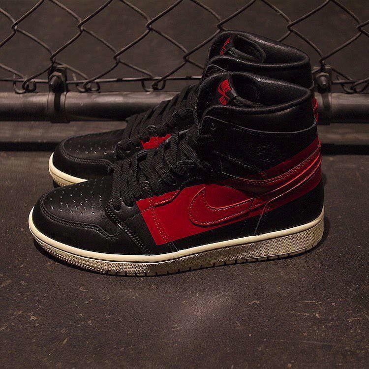 GET IN LINE Air Jordan 1 Retro High  Couture     http   b7bbaa4b0