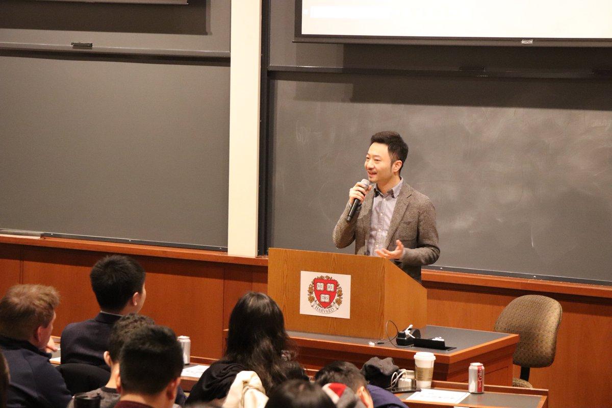 Da Hongfei @dahongfei, founder of NEO, LP of OGC, kicked off the OGC O-show Harvard with an inspiring opening speech. @NEO_Blockchain <br>http://pic.twitter.com/yyTqyPZwMh