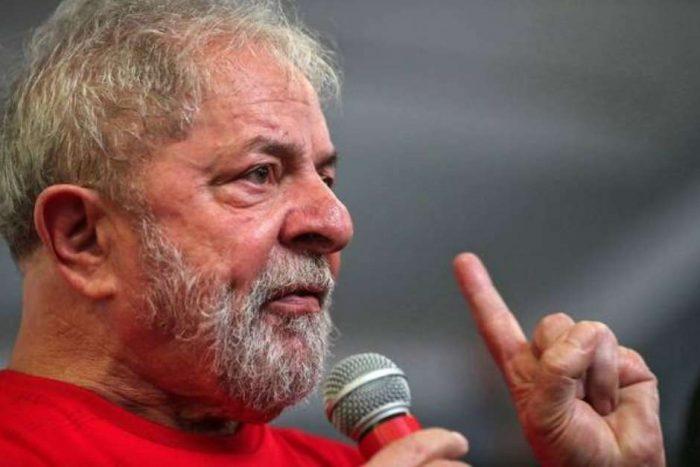 """""""Minha guerra é contra a fome"""", respondeu Lula sobre pressão dos EUA para Brasil entrar no Iraque  https://t.co/gJMXKyGH7h"""
