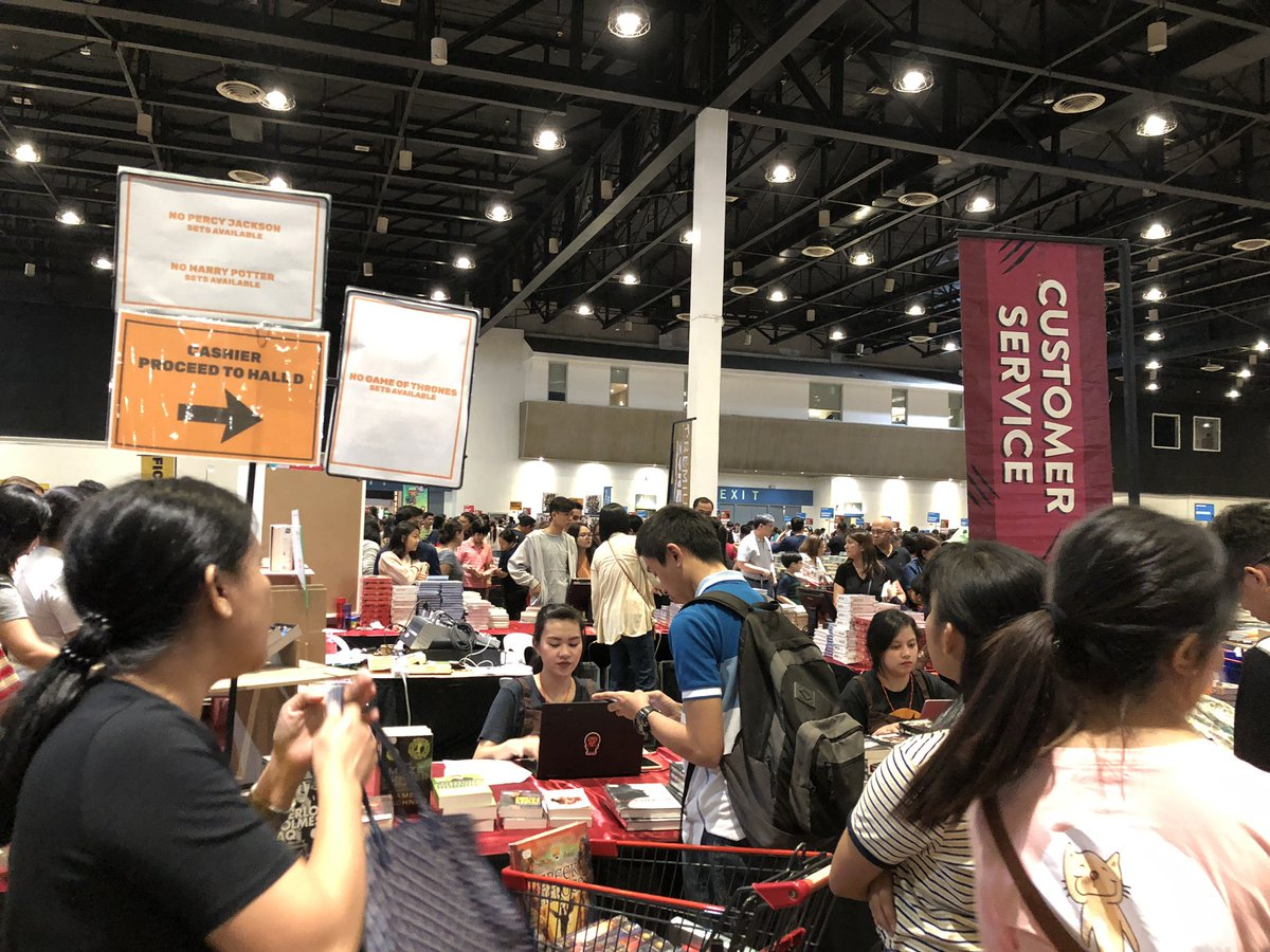 Big Bad Wolf at 12:15AM.  I overheard a lot of people complaining about how crowded the event is, even now that we're at wee hours of the night.  I just wanna say: WHAT A SIGHT!!!  I see that a lot of Filipinos adopt the culture of reading and this just feels my heart with joy  <br>http://pic.twitter.com/Go3YW42OfQ