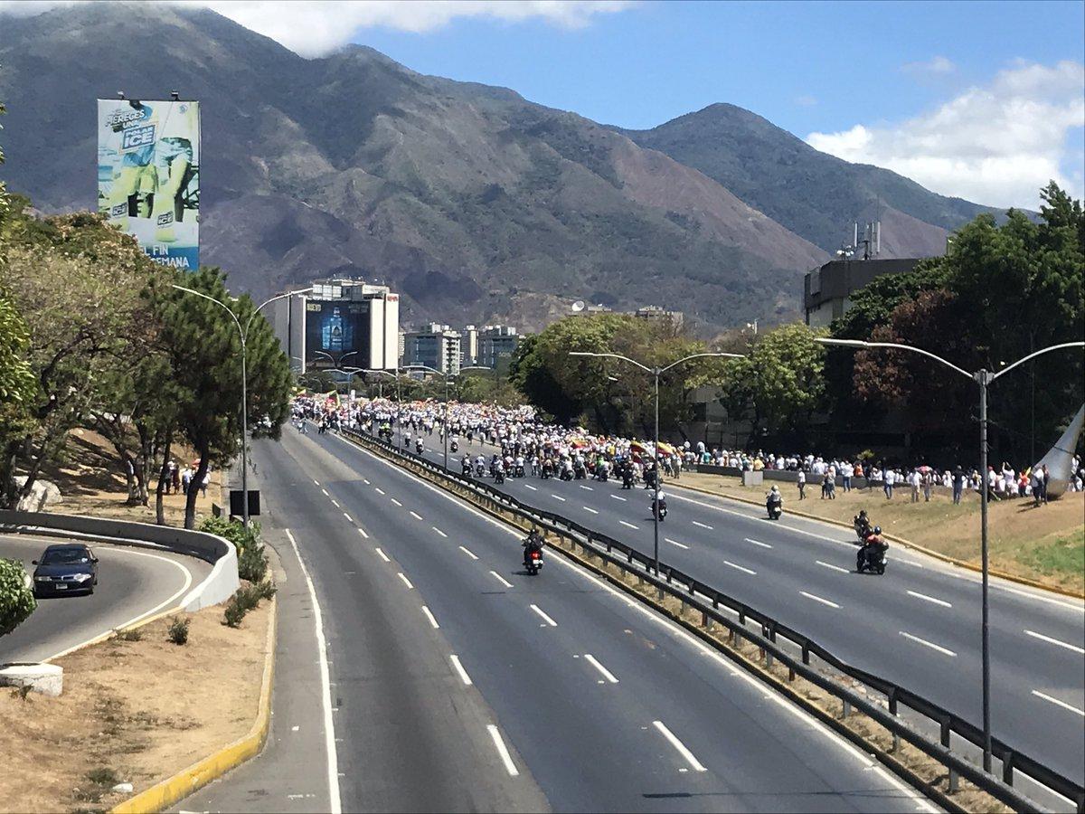 Maduro: Si algo me pasa, ¡retomen el poder y hagan una revolución más radical! - Página 8 D0GoiEhXcAA2tvA