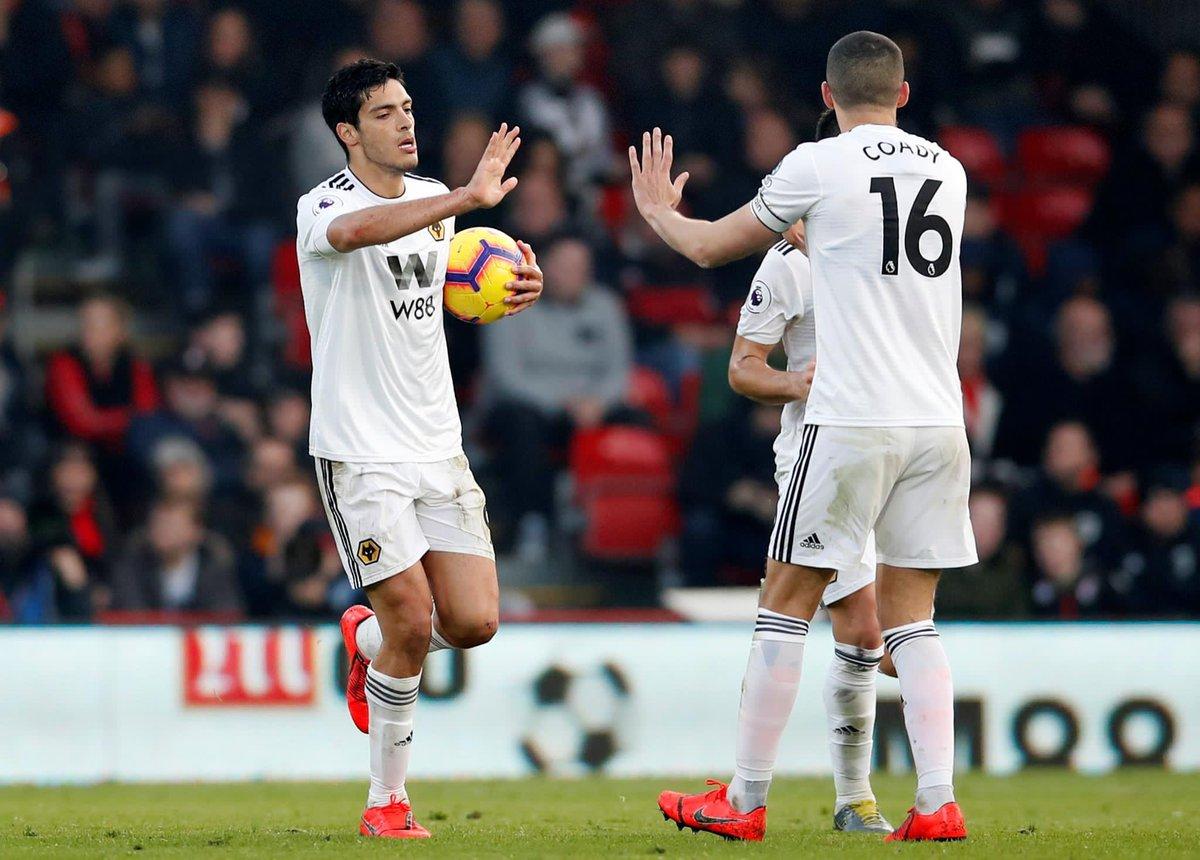 El mexicano llegó a 12 anotaciones con el Wolverhampton