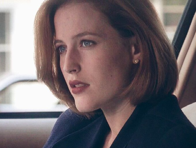 Happy birthday to forever beautiful Dana Scully