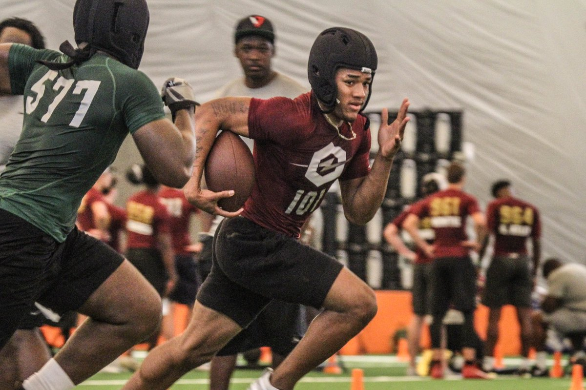 Miami had multiple targets on campus Saturday. The VIP rundown of who all was in Coral Gables as a few new offers went out: https://247sports.com/college/miami/Article/Miami-hosts-multiple-targets-Saturday-129418441/ …