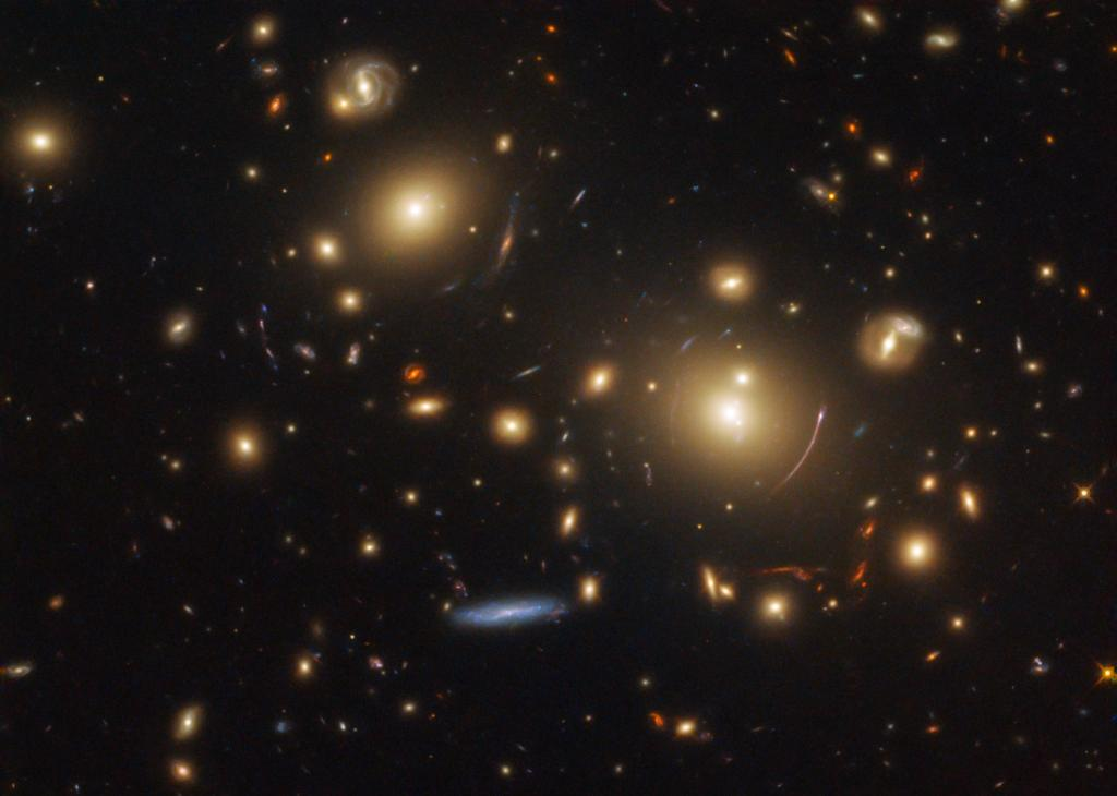 Even @NASAHubble gets by with a little help from its friends. Through the hand of science, this galactic masterpiece is the product of teamwork from our space telescope &amp; its celestial subjects, a phenomenon known as gravitational lensing. Learn more: https:// go.nasa.gov/2IyrAnG  &nbsp;  <br>http://pic.twitter.com/47L5XEvnEg