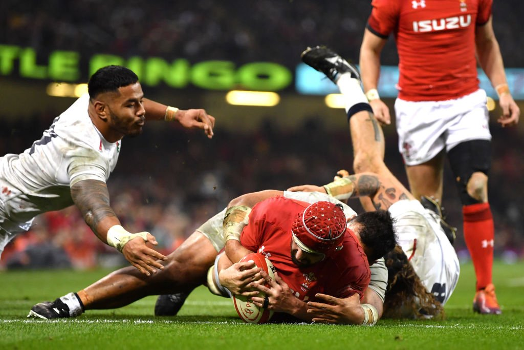 FT: Wales 21-13 England  The defining match of this year's #SixNations? Wales have beaten England after an absorbing battle in Cardiff.  #WALvENG reaction 👉 http://bbc.in/2EqLVqK