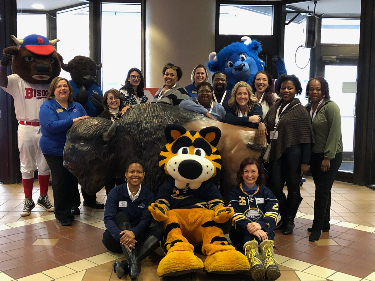 Showing our Washington, DC meeting planner guests some Buffalove during our Snowplace Like Buffalo winter Fam! @BFLOconvention #Buffalo #meetingprofs <br>http://pic.twitter.com/GdbAc7x7Us