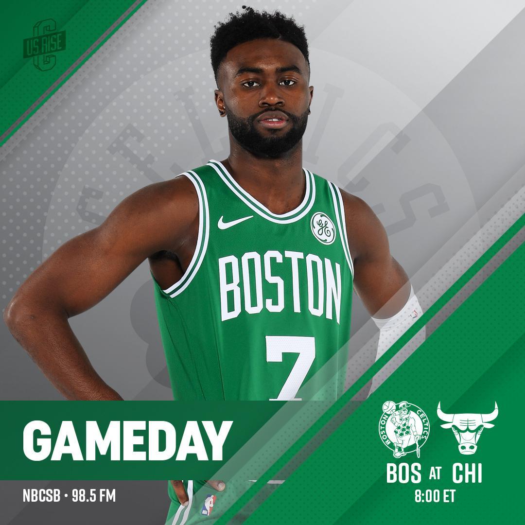 TONIGHT ☘ Celtics vs @chicagobulls   📍@UnitedCenter  🕗 8:00 p.m. 📺@NBCSBoston  🤳 http://bit.ly/2DaJ7wk  🎙@985TheSportsHub