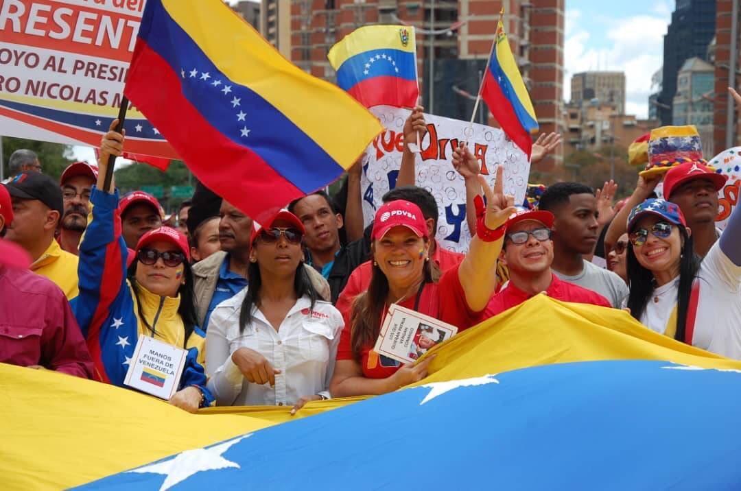 🇻🇪Pdte. @NicolasMaduro: Nuestros problemas debemos resolverlos los venezolanos, sin amenazas con el uso de la fuerza para imponerse sobre un Estado. Estamos del lado correcto de la historia, defendiendo la Constitución y la soberanía.  #VenezuelaEnDefensaDeLaPaz