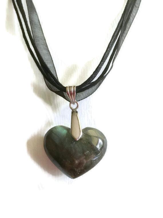 Green Puffed Heart Gemstone Pendant, Labradorite Stone,  3D Special Cut #pendantnecklace #gemstonejewelry #gemstonependant #heartjewelry #handmadejewelry #giftforher #handmadependant