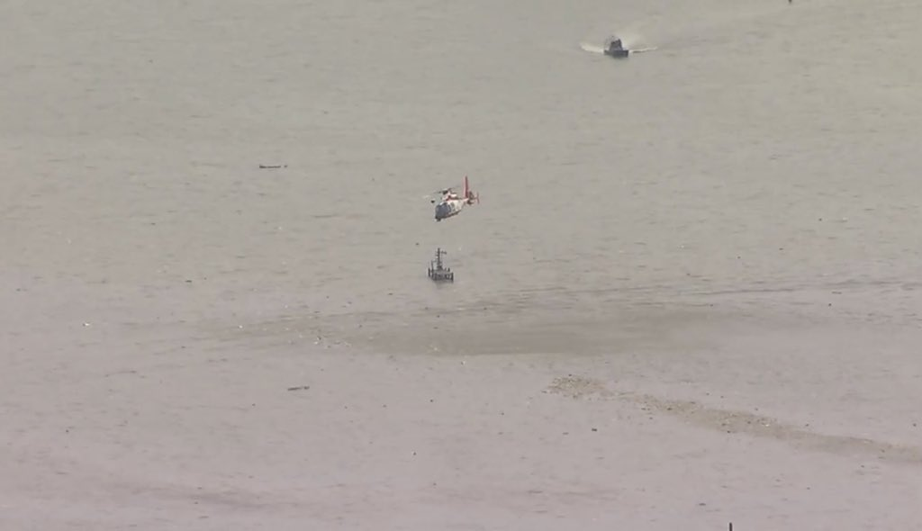 .@abc13houston had live images coming in over Trinity Bay. USCG helicopter and boats have arrived in what looks like a debris field in the water. #5Y3591