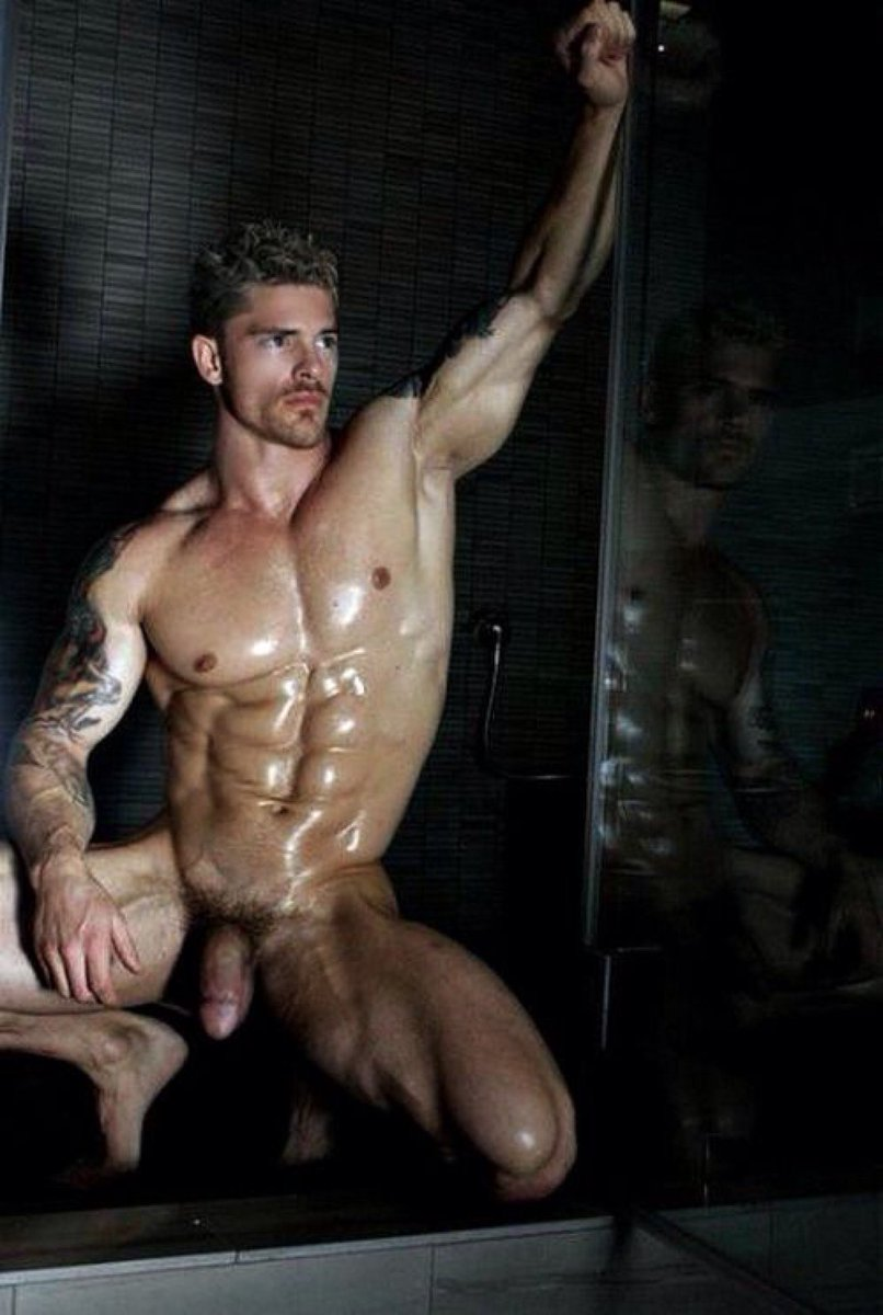 Fit guy with huge dick