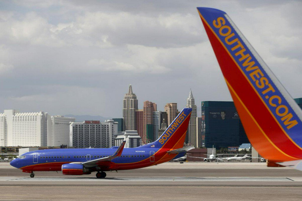 Southwest CEO says mechanics deserve new contract, but company wants 'flexibility' https://t.co/CuXc4J3DKt