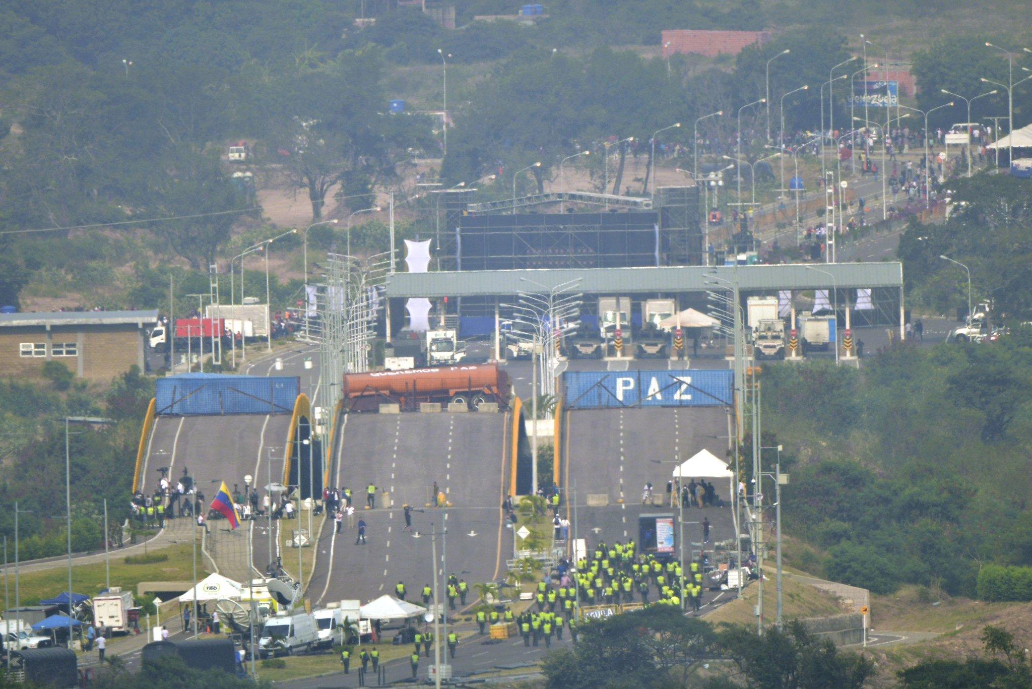 Colombia cerrará los pasos fronterizos en Norte de Santander el 24 y 25 de febrero https://t.co/gqxeLMWcqU https://t.co/YkVvpfciGO
