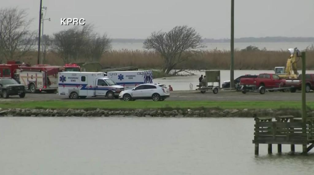 Boeing 767 Cargo Jetliner With 3 Aboard Crashes Into Bay Near Houston https://t.co/Yrxlqm826d
