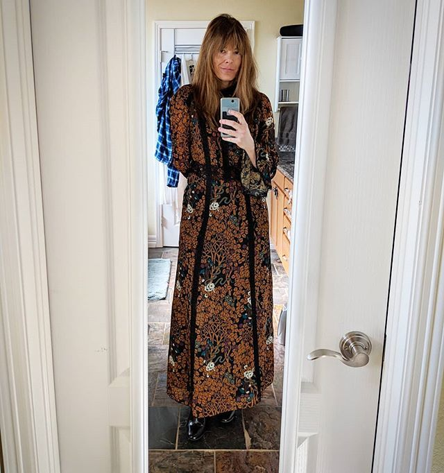 Dressed up and nowhere to go...new Anna Sui frock awaits a festive occasion.😔💕 #annasui #dress #fashion #vintagestyle https://ift.tt/2tzZf5W