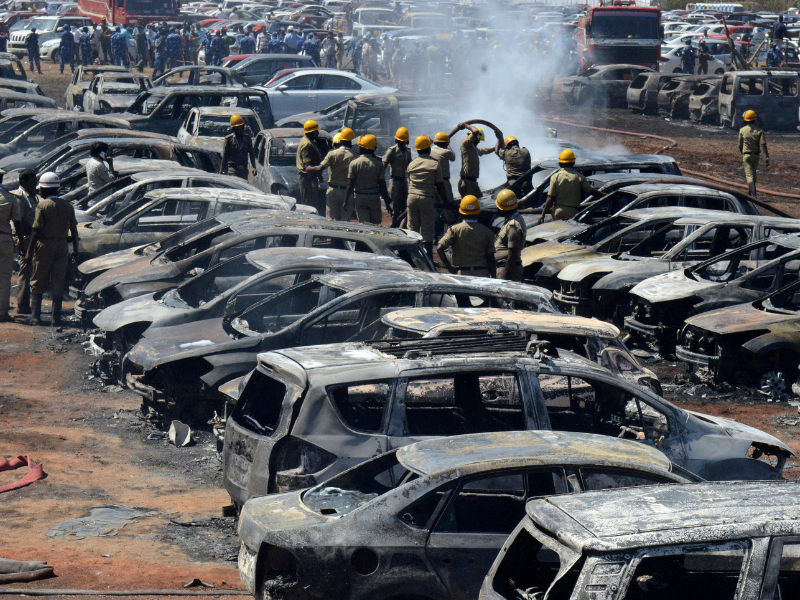 Fire guts 300 cars hour after #SuryaKiran lifted spirits with return   Read: https://t.co/ACArFafKjH