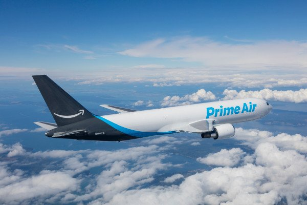 A Boeing 767 freighter carrying goods for Amazon crashed near Anahuac, Texas, the US on Sat, killing all three on board, @WPLGLocal10 reports, citing local sheriff's office. @BoeingAirplanes said it is prepared to provide technical assistance for investigation. (file pic)