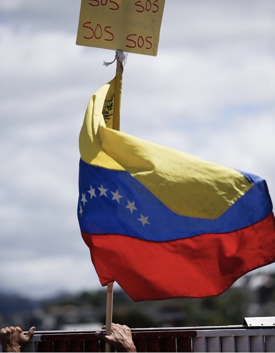 The US stands with the brave people of #Venezuela as they seek freedom from tyranny & the restitution of democracy.  God bless you.  #EstamosUnidosVE