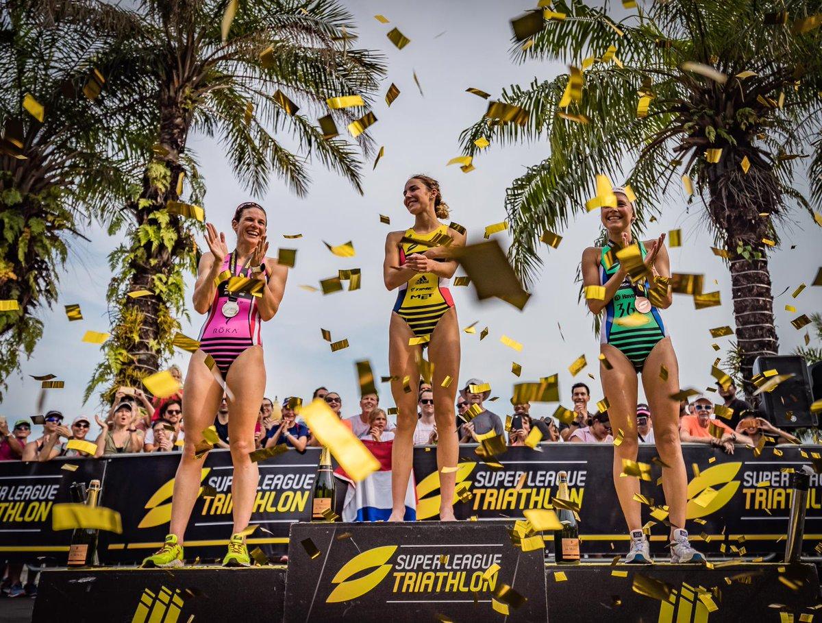 Triatlete Klamer op het podium in heet Singapore | NOS