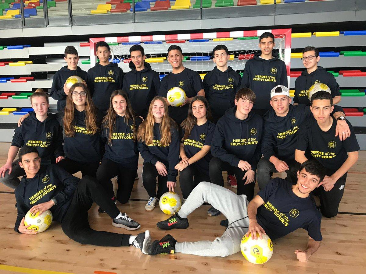 El torneo escolar Cruyff Courts 6vs6 está a punto de comenzar, y nuestros Héroes están listos!  #CreatingSpace #CruyffLegacy